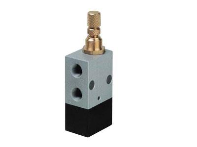Generatore di impulso normalmente chiuso